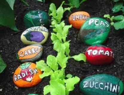 Des étiquettes de Jardin en  galet, vos enfants vont adorer les réaliser !