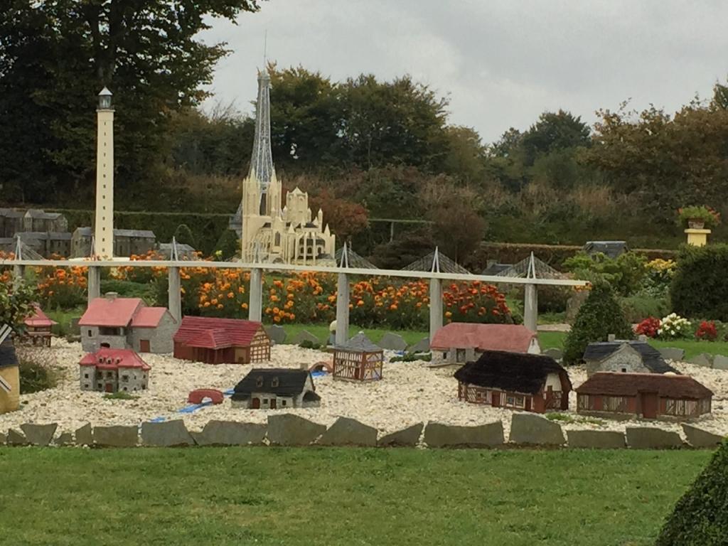 Le jardin des miniatures de marie th r se et louis beaux for Jardin de particuliers a visiter