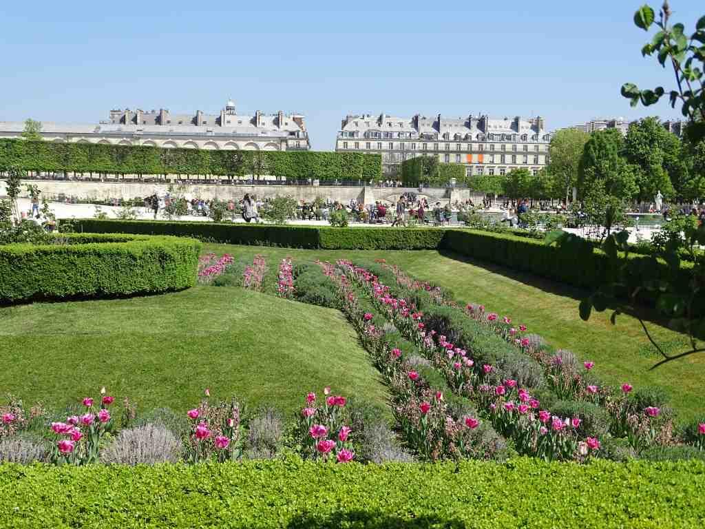 Jardins des tuileries autour de l 39 entr e poterne de l for Jardin gratuit paris