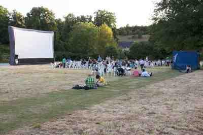 Cinéma en plein air au jardin de Plessis Sanières